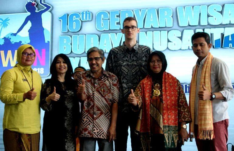 Gebyar-Wisata-dan-Budaya-Nusantara
