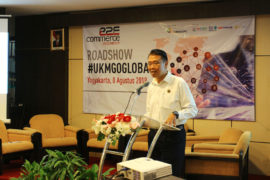 Kepala Bidang UMKM, Dinas Koperasi dan UMKM DIY Agus Mulyono saat memberikan sambutan Roadshow #UKMGoGlobal di UGM Club (8/8).