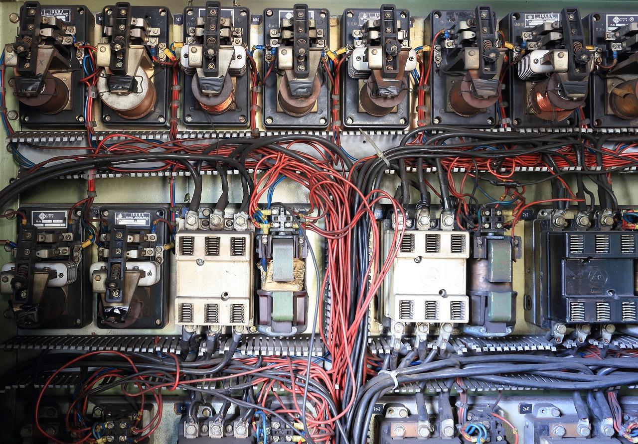 jenis panel listrik